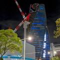 Photos: 巨大クレーンと夜で青く輝くスパイラルタワーズ - 3