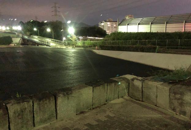 桃花台線の桃花台中央公園撤去工事(2019年9月11日):車両基地に入る部分だった撤去場所の舗装 - 2
