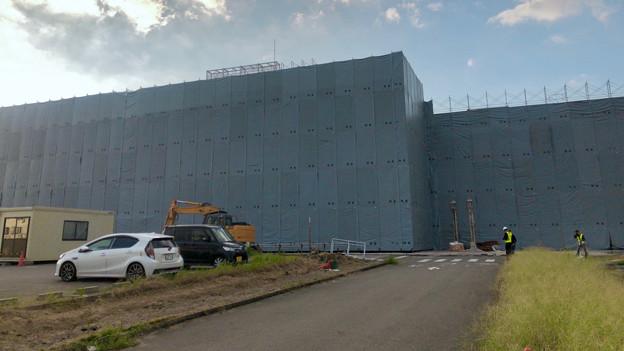 解体工事中の旧ザ・モール春日井(2019年9月17日):国道19号側が全面シートで覆われる - 5
