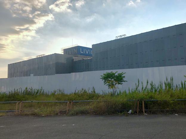 解体工事中の旧ザ・モール春日井(2019年9月17日):国道19号側が全面シートで覆われる - 6