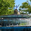 Photos: 錦通と久屋大通公園の噴水上彫像に「あいちヒトリエンナーレ」と書かれたTシャツが着せられる!? - 12