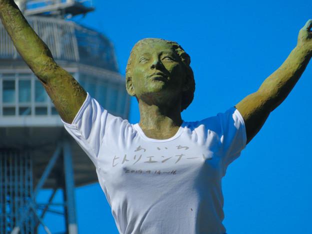 錦通と久屋大通公園の噴水上彫像に「あいちヒトリエンナーレ」と書かれたTシャツが着せられる!? - 20