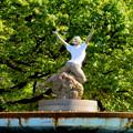 Photos: 錦通と久屋大通公園の噴水上彫像に「あいちヒトリエンナーレ」と書かれたTシャツが着せられる!? - 1