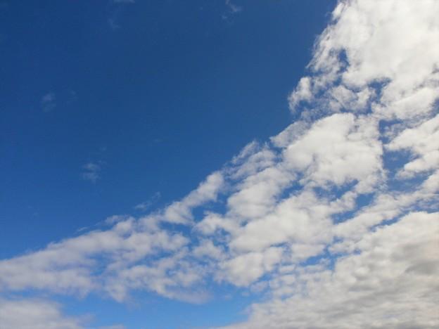 Photos: 斜面の雲
