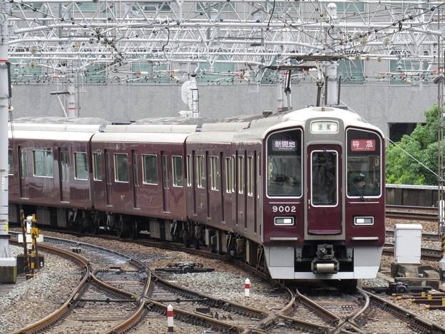阪急9002F