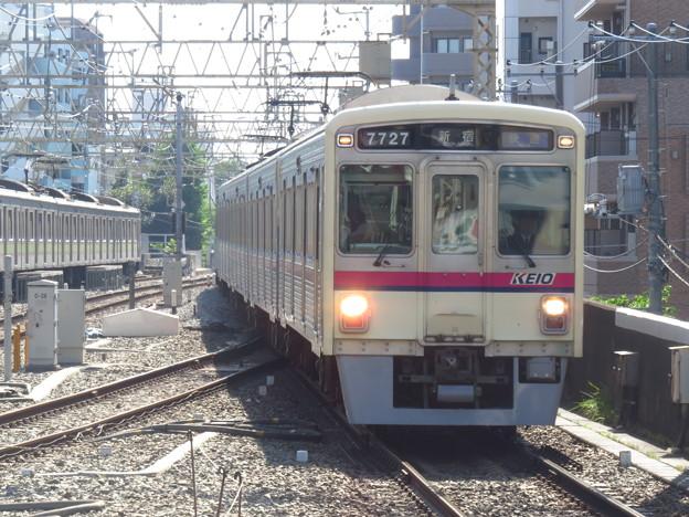 京王7727F
