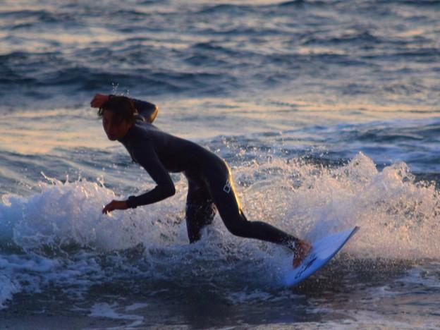 夕方の湘南・鵠沼海岸の波はももサイズ #湘南 #藤沢 #海 #波 #wave #surfing #mysky #beach