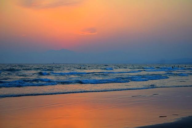 春霞の夕暮れ@湘南・鵠沼海岸 #湘南 #藤沢 #海 #波 #wave #surfing #mysky #beach