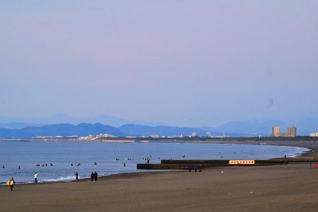 富士山は雲で見えない今朝の湘南・鵠沼海岸 #湘南 #藤沢 #海 #波 #wave #surfing #mysky #beach
