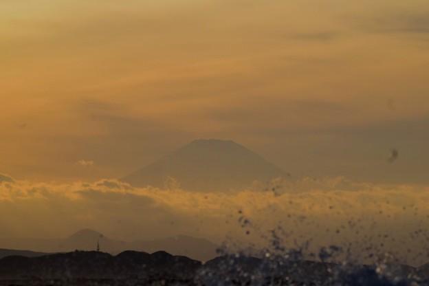 間もなく日没を迎える富士山@湘南・鵠沼海岸 #湘南 #藤沢 #海 #波 #wave #surfing #mysky #fujisan #mtfuji #富士山