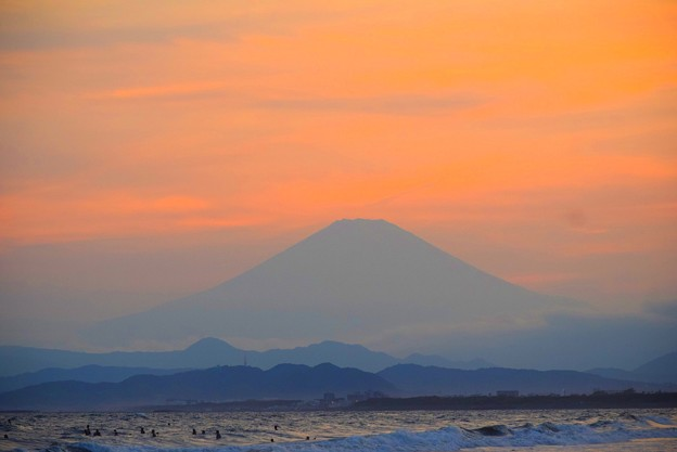 日没間際の富士山 #湘南 #藤沢 #海 #波 #wave #surfing #mysky #fujisan #mtfuji #富士山