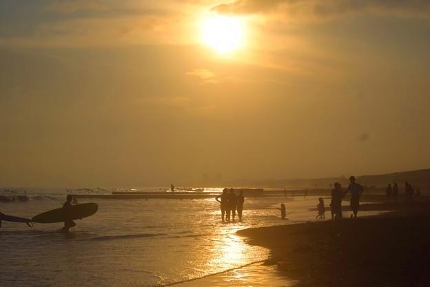 雲に沈む湘南・鵠沼海岸の夕日 #湘南 #藤沢 #海 #波 #wave #surfing #mysky #beach