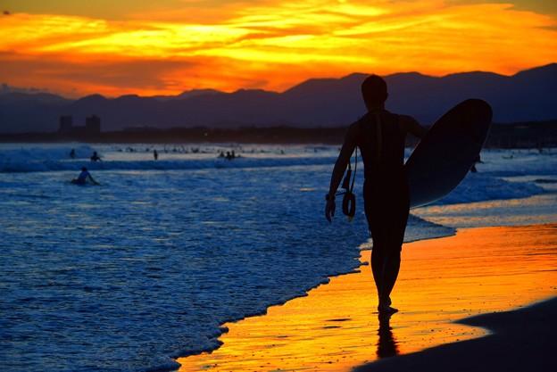 夕暮れのサーファー@湘南・鵠沼海岸 #湘南 #藤沢 #海 #波 #wave #surfing #mysky