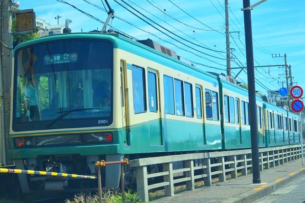 鎌倉・七里ヶ浜沿いを走る江ノ電 #湘南 #鎌倉 #kamakura #江ノ電 #電車 #train #mysky