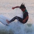 夕方の湘南・鵠沼海岸の波はひざからももサイズ #湘南 #藤沢 #海 #波 #wave #surfing