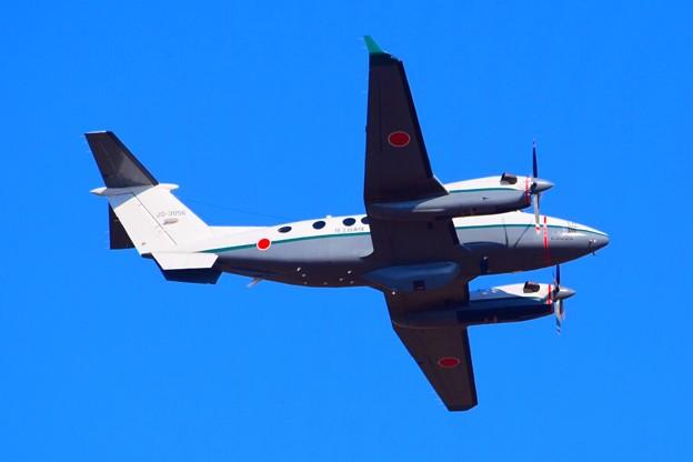 陸上自衛隊連絡偵察機LR-2 #自衛隊 #japanselfdefenceforces #mysky #習志野演習場 #降下訓練始め #japanesearmy