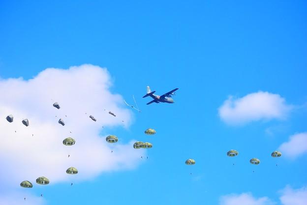第1空挺団降下訓練 #自衛隊 #japanselfdefenceforces #mysky #習志野演習場 #降下訓練始め #japanairforce