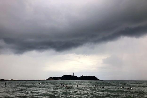 雨が降ってきた江ノ島  #湘南 #藤沢 #海 #波 #wave #surfing #beach #mysky #sky #sea