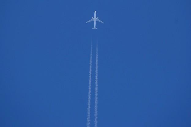 湘南・鵠沼海岸上空の飛行機と飛行機雲 #湘南 #藤沢 #海 #波 #wave #surfing #mysky #contrail #sky #飛行機