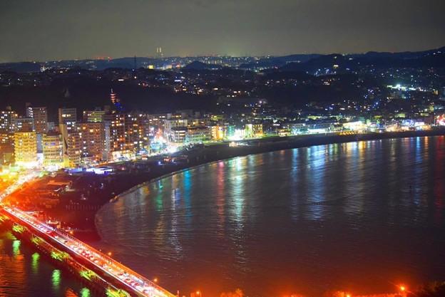 片瀬東浜の夜景 #湘南 #藤沢 #海 #江ノ島 #wave #灯篭 #sea #夜景 #nightview #enoshima