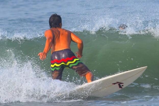 今朝の湘南・鵠沼海岸の波はももから腰サイズ #湘南 #藤沢 #海 #波 #wave #surfing #sea #beach #mysky #サーフィン