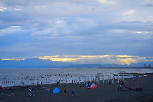 暮れゆく湘南・鵠沼海岸 #湘南 #藤沢 #海 #波 #wave #surfing #mysky #サーフィン #sea #beach