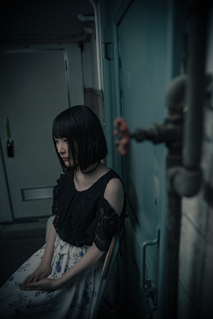写真: 冷たい地下室
