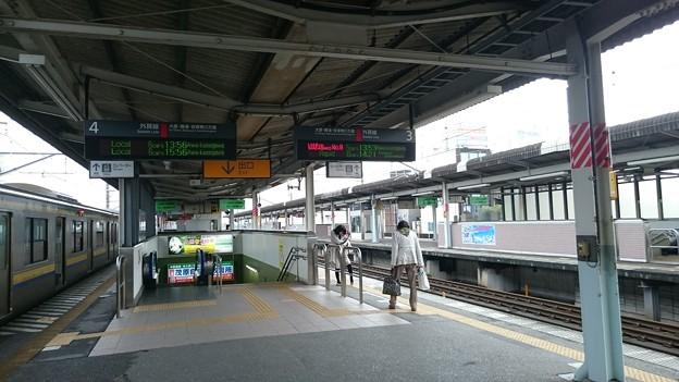 プラットホームと209系 [JR 茂原駅]