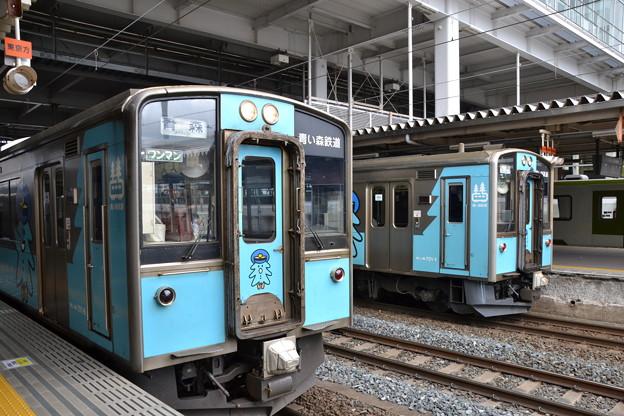 青い森701系 青い森701-6と青い森701-1 [青い森鉄道 八戸駅]
