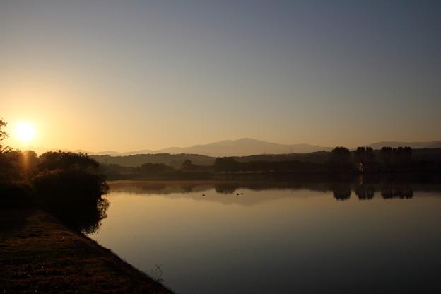 静かな朝の木場潟