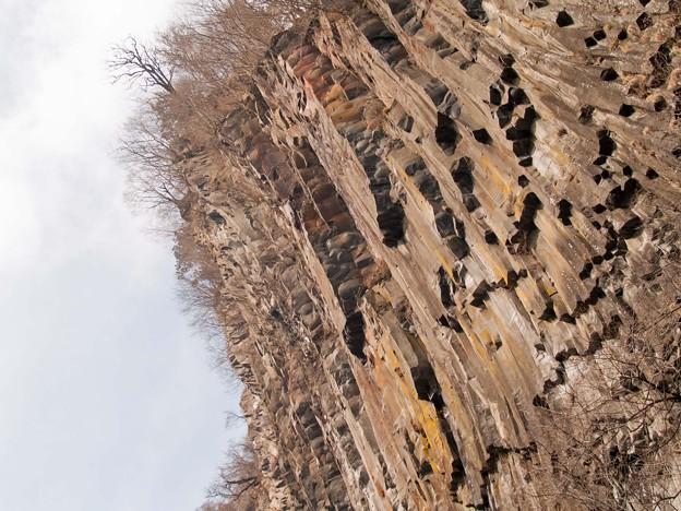 華厳の滝の岩壁