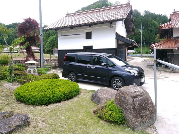 妻の実家と愛車トヨタノア80系