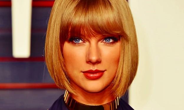 Beautiful Blue Eyes of Taylor Swift(10654)