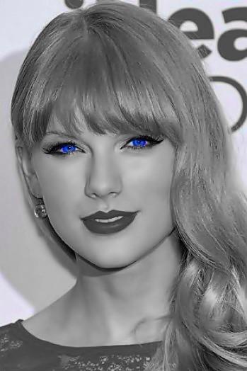 Beautiful Blue Eyes of Taylor Swift(10683)
