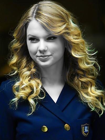 Beautiful Blue Eyes of Taylor Swift (10750)