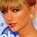 Photos: Beautiful Blue Eyes of Taylor Swift (10764)