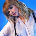 Beautiful Blue Eyes of Taylor Swift (10790)
