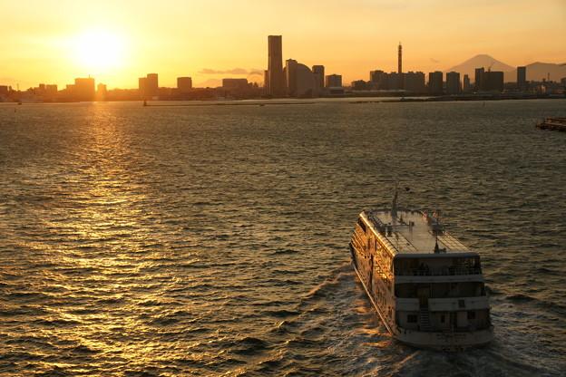 横浜港内観光船