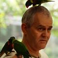 写真: 鳥に好かれた男