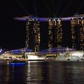 写真: 夜のシンガポール