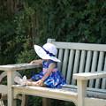 写真: 夏帽子の女の子