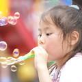 Photos: シャボン玉の少女