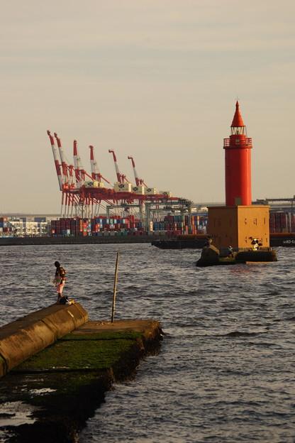 釣り人と灯台