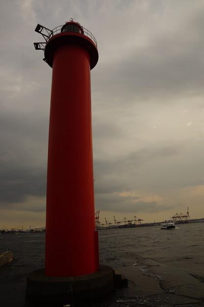 Photos: 赤い灯台