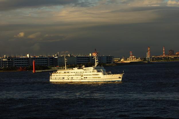 Photos: 港内観光船