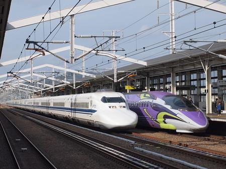 700系のぞみと500系TYPE EVA こだま 山陽新幹線姫路駅