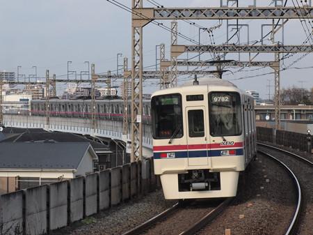 京王9000系区間急行  京王相模原線稲田堤駅01