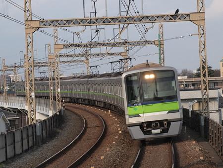 都営10‐300形快速  京王相模原線稲田堤駅01
