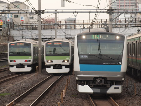 E233系普通 京浜東北線鶯谷駅