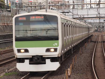 E231系普通  山手線鶯谷駅01